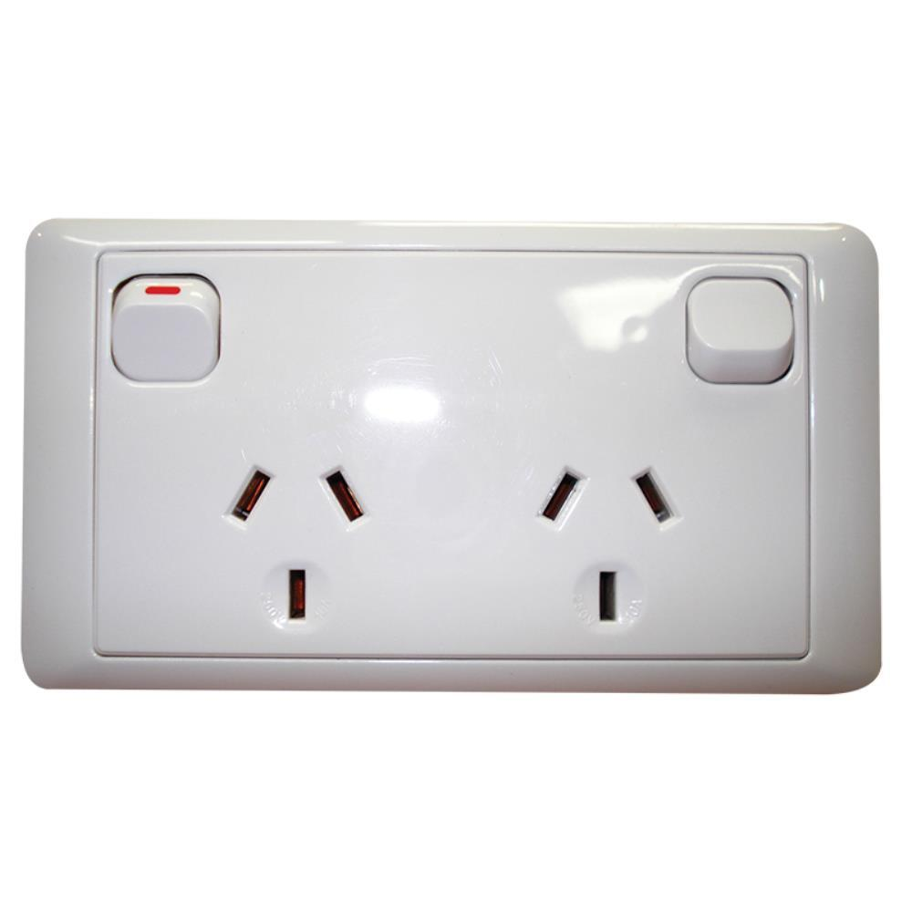 CMS DOUBLE WHITE 10AMP POWER OUTLET W/20AMP INSTALL COUPLERS. J16 ...