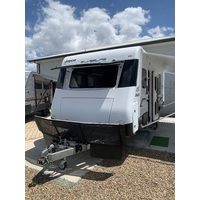 2014 21.9ft Jayco Silverline Caravan